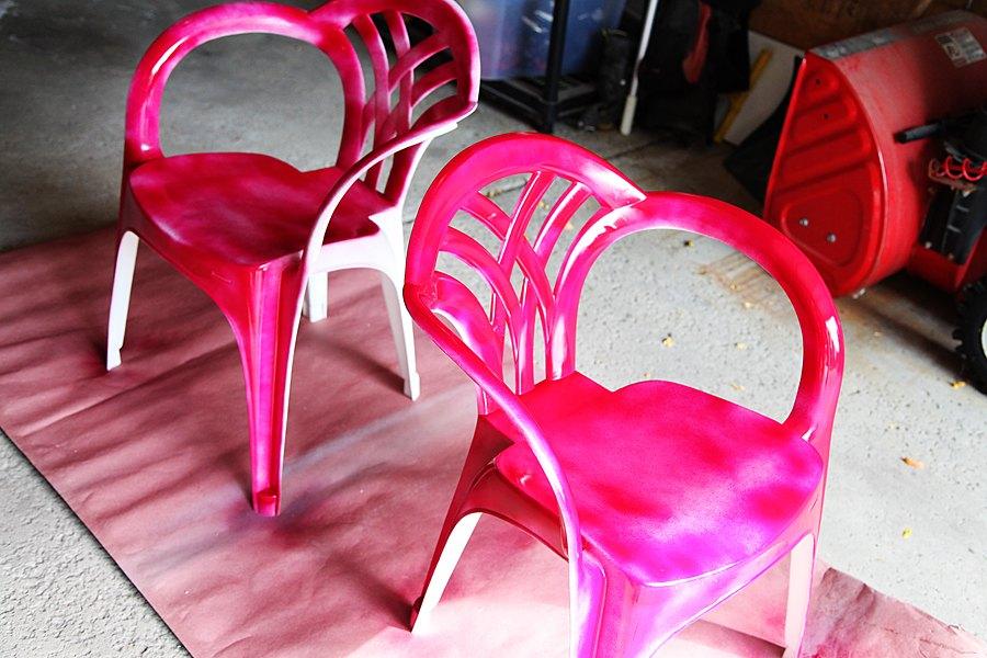 Verniciare Sedie Da Giardino In Plastica.Ecco Come Riciclare Le Nostre Vecchie Sedie In Plastica 10 E Idee