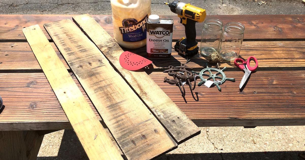 Versatile Pallet Plaque With Mason Jar Hangers | Hometalk