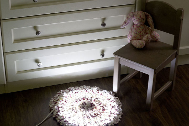 fairy light rug, bedroom ideas, crafts, how to, reupholster