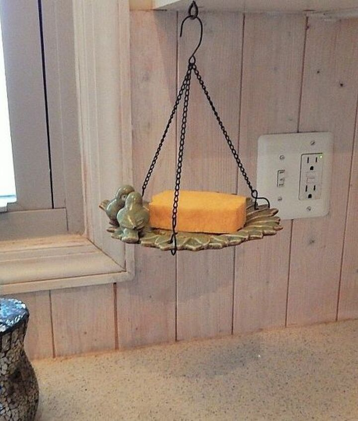 s see what 13 highly organized people do not put on the kitchen counter, countertops, kitchen design, organizing, Sponges use a bird feeder to hang yours up