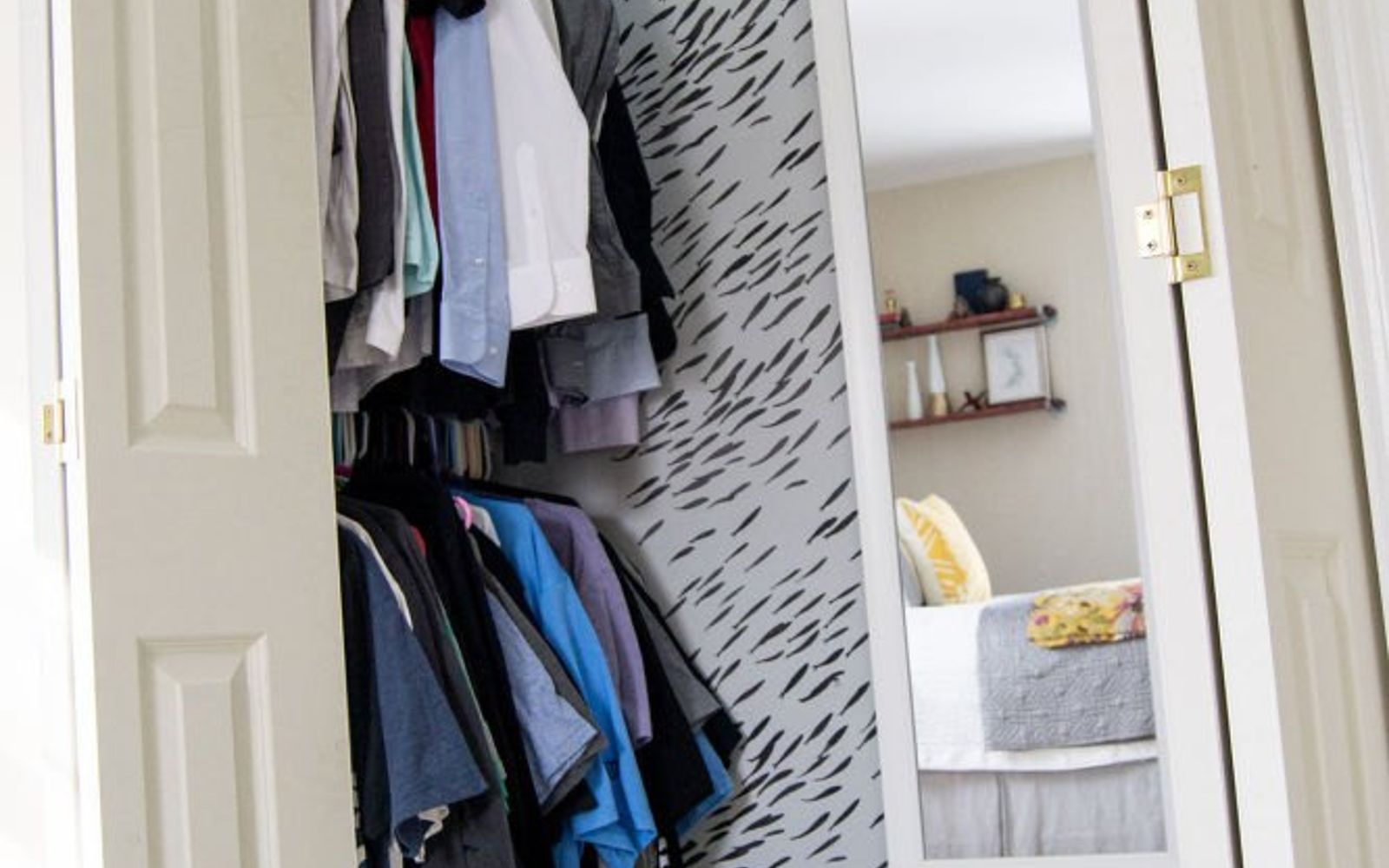 organizing small bedroom closet 13 hacks for your overstuffed closet hometalk 16578