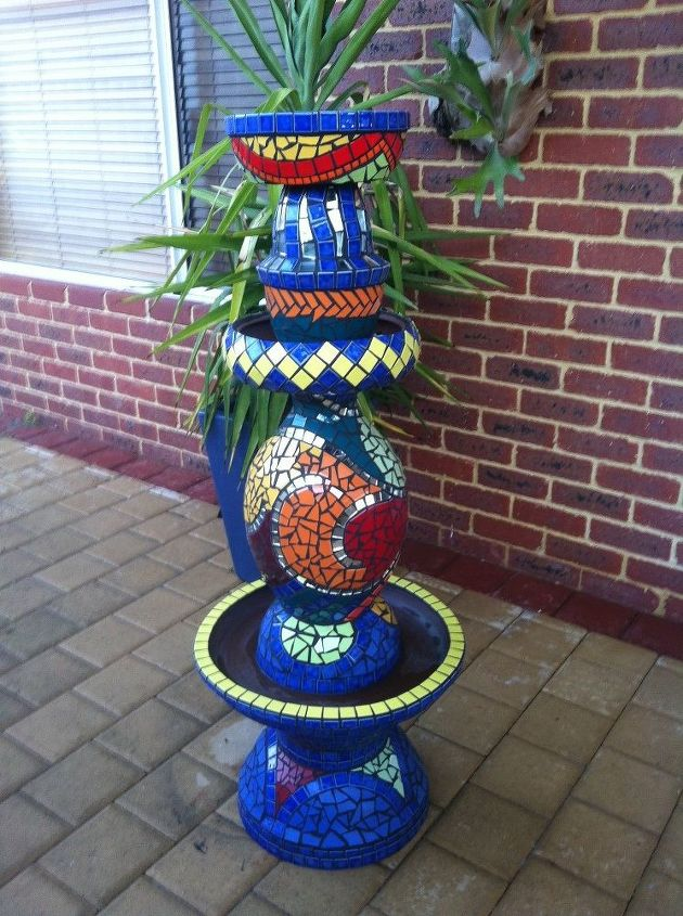 Mosaic totem from old pots hometalk mosaic totem from old pots crafts gardening outdoor living workwithnaturefo
