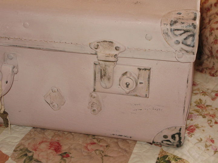 Vintage Shabby Chic Pink Suitcase In Ascp Antoinette