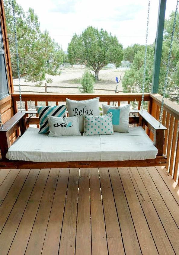Diy pallet swing bed hometalk diy pallet swing bed how to outdoor furniture outdoor living pallet solutioingenieria Gallery