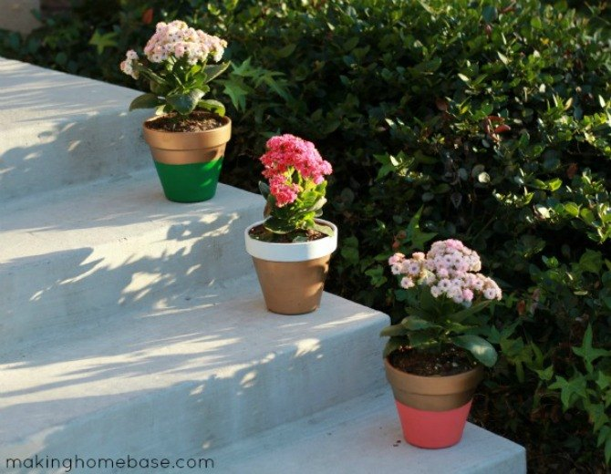 s 13 ideas for having the cutest front steps on the block, container gardening, outdoor living, porches, Add a pop of pretty to plain flower pots