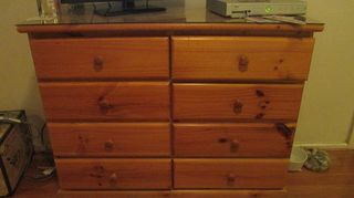 , Solid yellowed pine furniture in the bedroom YUK Tho very good storage