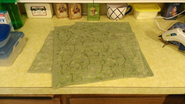 turn a placemat into a charging holder for your tablet or kindle, crafts, repurposing upcycling, storage ideas