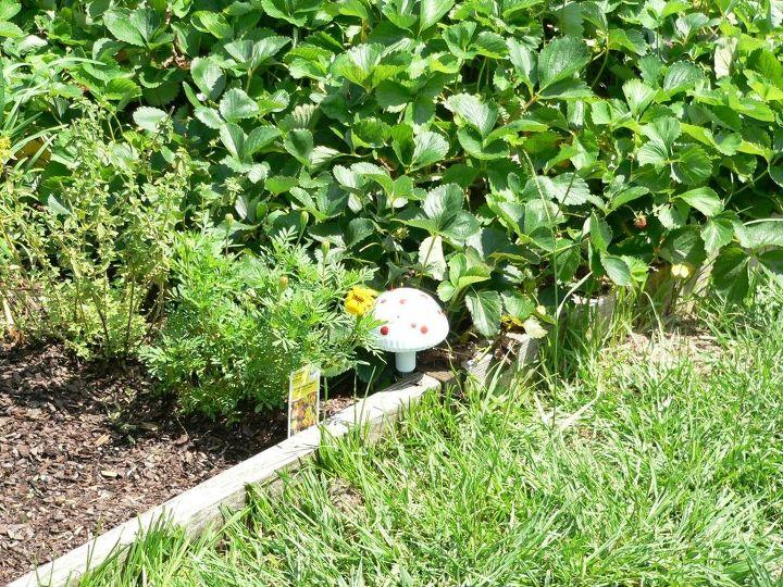 repurposed solar light mushrooms, gardening, repurposing upcycling