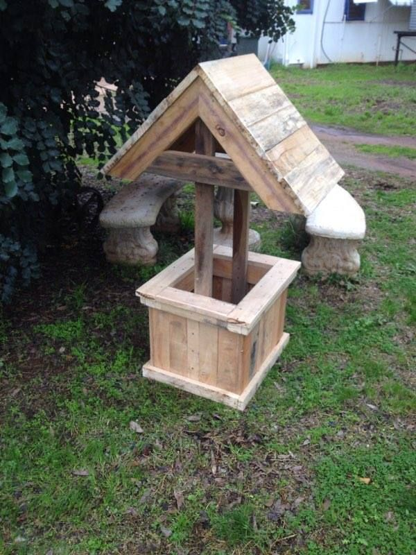Rustic birdboxes planters made from pallets hometalk for Making planters from pallets