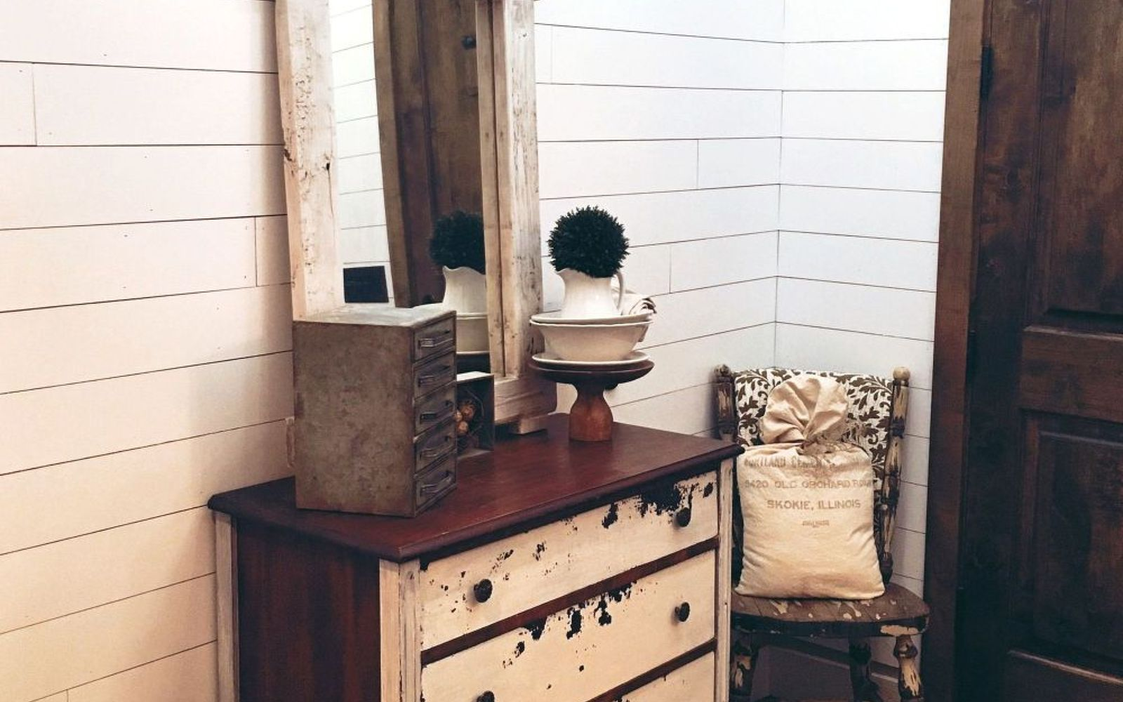s 12 shiplap ideas that are hot right now, home decor, wall decor, Paint your planks a dreamy soft white