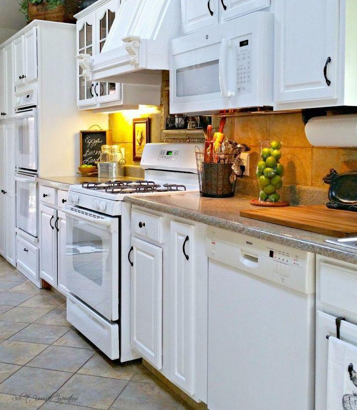 Redoing Kitchen Cabinets: A Craigslist Kitchen Redo