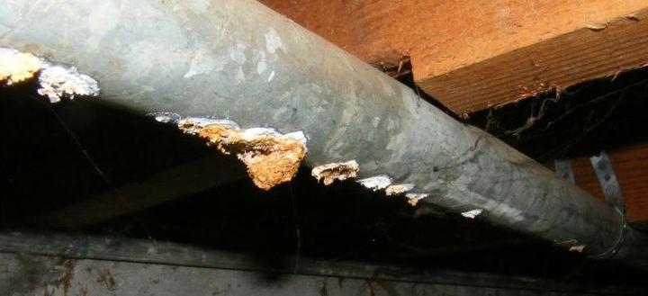 q galvanized drain pipe precaution, home maintenance repairs, major home repair, plumbing, Similar but a single corroded hole