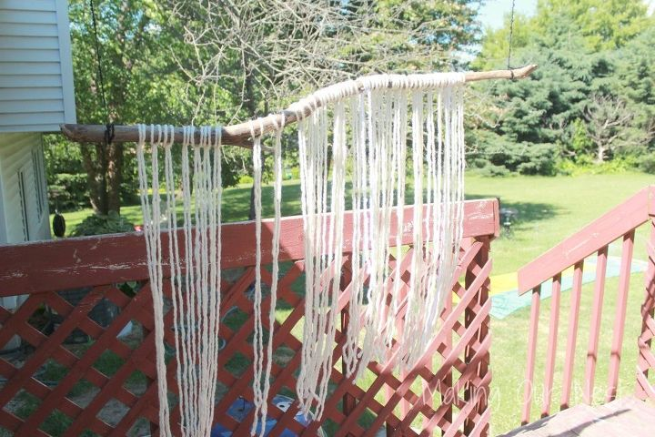 diy yarn wall hanging, crafts, how to, living room ideas, wall decor