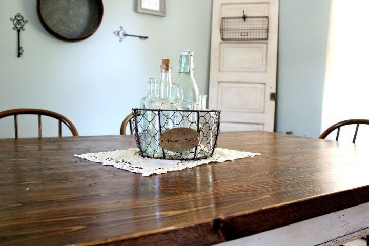 Simple Vintage Farmhouse Centerpiece | Hometalk