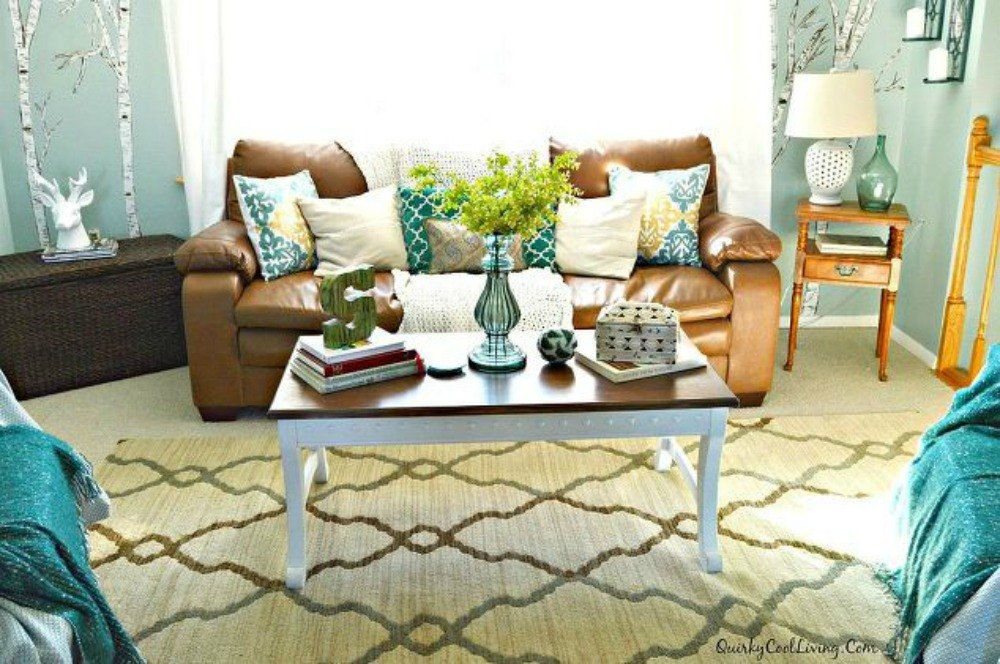 Why everyone is freaking out over these country cottage rooms hometalk - Useful living room decor ideas for everyone ...