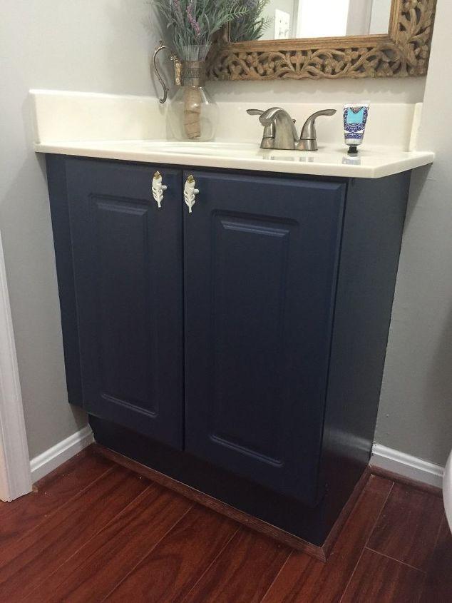 Easy diy builders grade bathroom updates hometalk for Bathroom cabinets update ideas