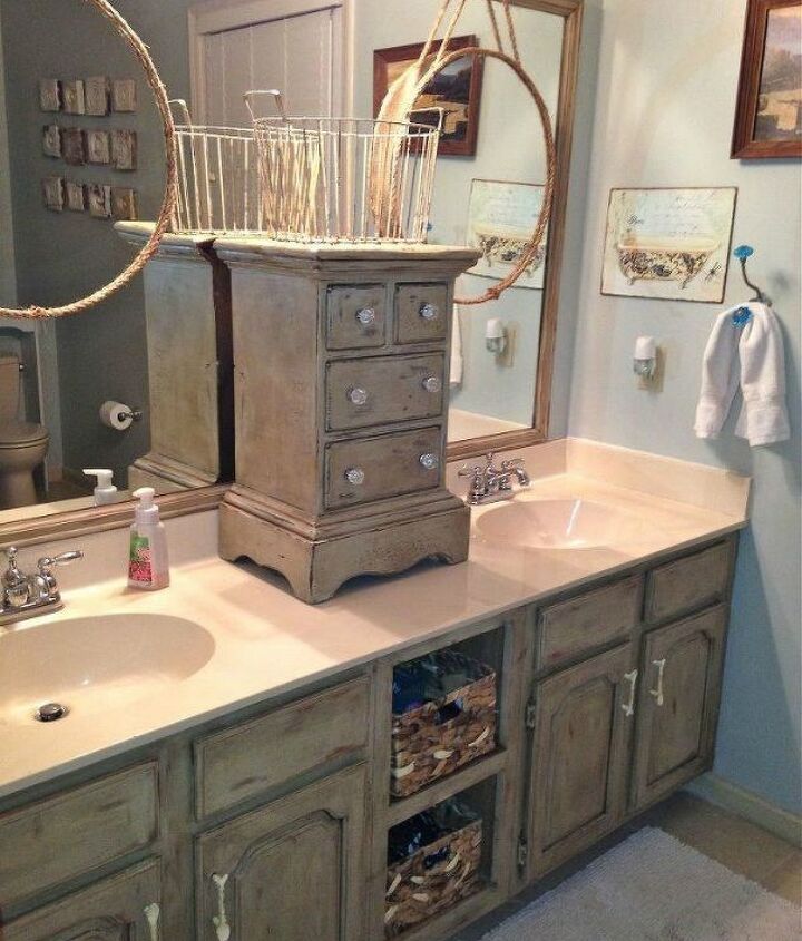 s 11 ways to transform your bathroom vanity without replacing it, bathroom ideas, Place a small cabinet to separate the sinks