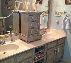 Place A Small Cabinet To Separate The Sinks