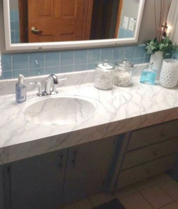 s 11 ways to transform your bathroom vanity without replacing it, bathroom ideas, Paint the countertop for a marble look