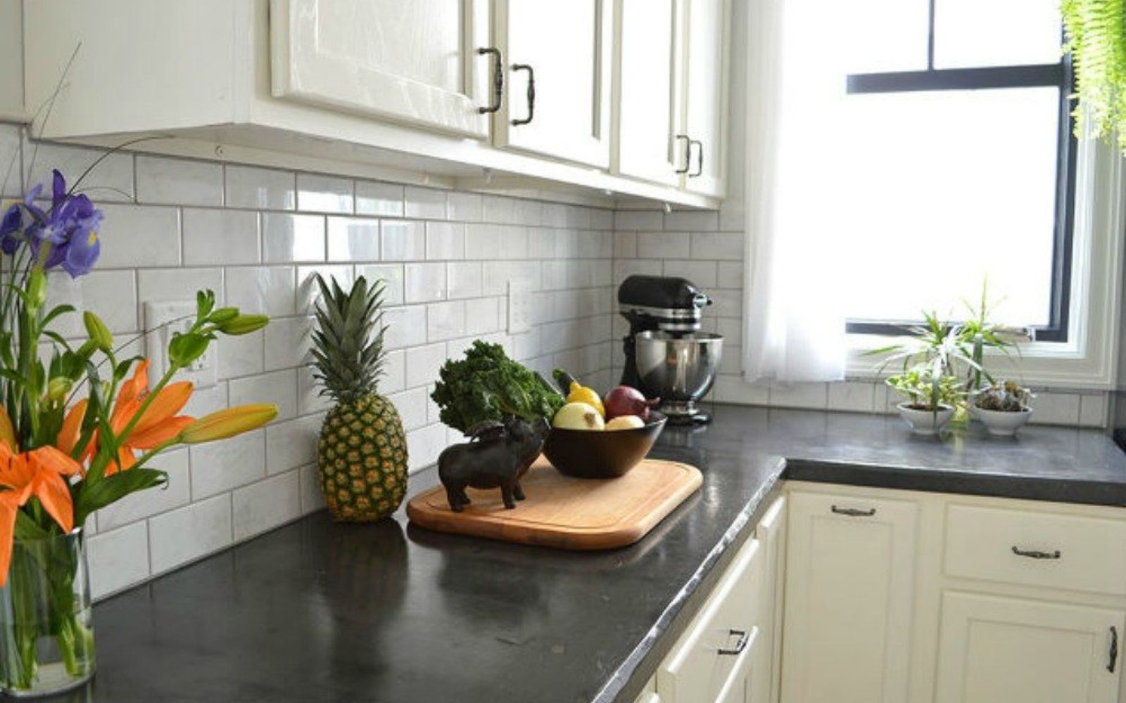How To Decorate Kitchen Counters: 13 Different Ways To Make Your Own Concrete Kitchen