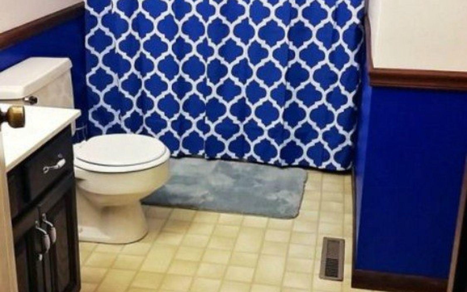 s 11 easy ways to refresh your old bathtub, bathroom ideas, Add a cool shower curtain