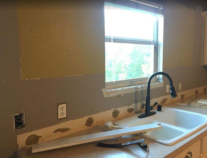 builder basic kitchen upgrade, kitchen design, painting, painting cabinets
