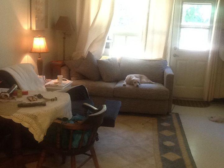q decorating small living room, home decor, home decor dilemma, living room ideas