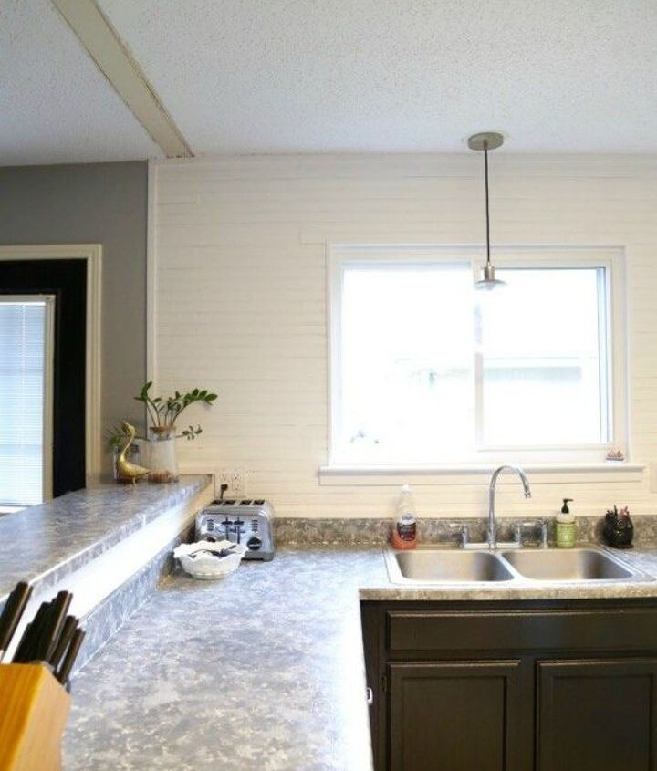 s want a farmhouse kitchen these easy ideas are brilliant , kitchen design, Or add a pallet wall to your backsplash