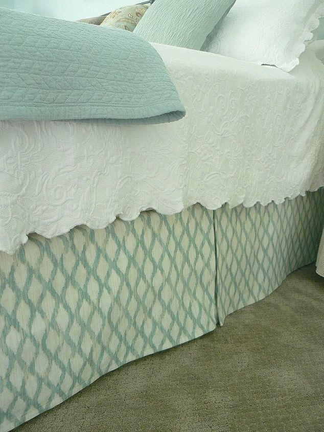 diy bedskirt is super simple cheap adjusts to bed height, bedroom ideas, crafts, how to, The finished product