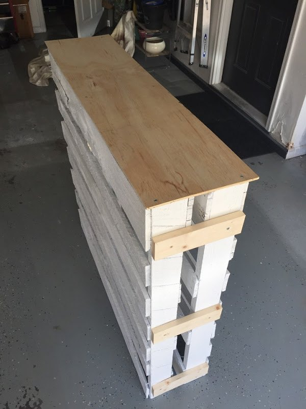 Diy Wood Pallet Outdoor Bar Hometalk