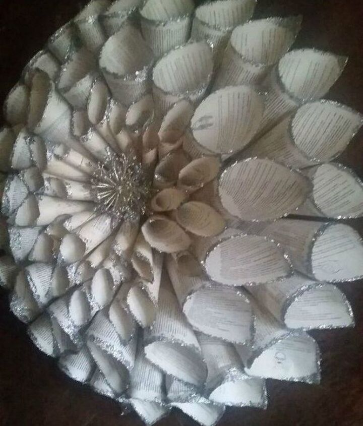 s 13 shocking things you can do with old unwanted books, repurposing upcycling, Roll them into an eye popping wreath