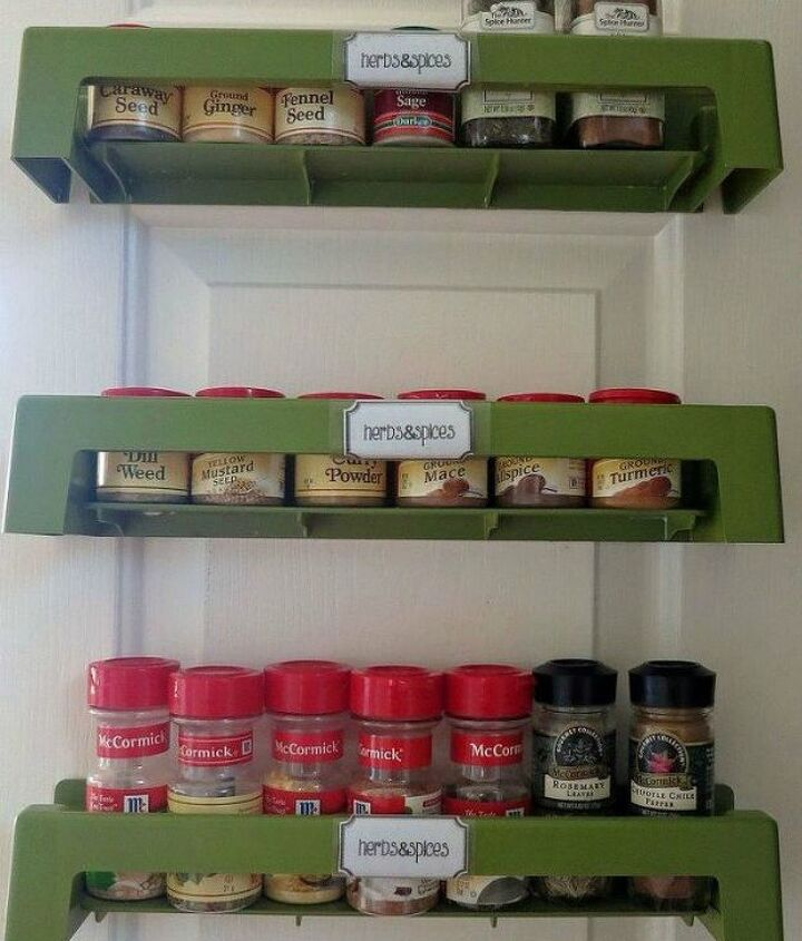 s these are the pantry organizing hacks that you ve been waiting for, closet, organizing, Use a rack to store your spices