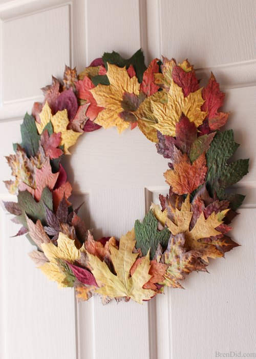 cheap easy diy fall wreath with fresh leaves for 0. Black Bedroom Furniture Sets. Home Design Ideas