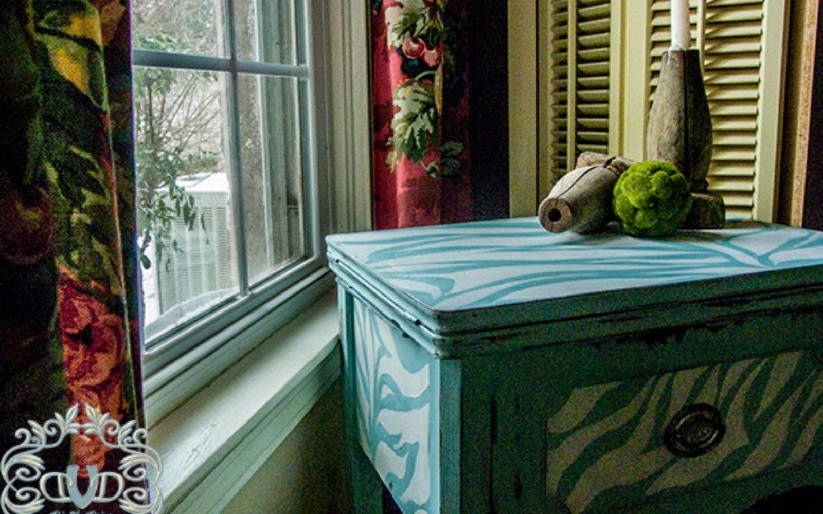 s 12 wildly creative ways to use your old sewing table, painted furniture, Paint it with a pattern and texture