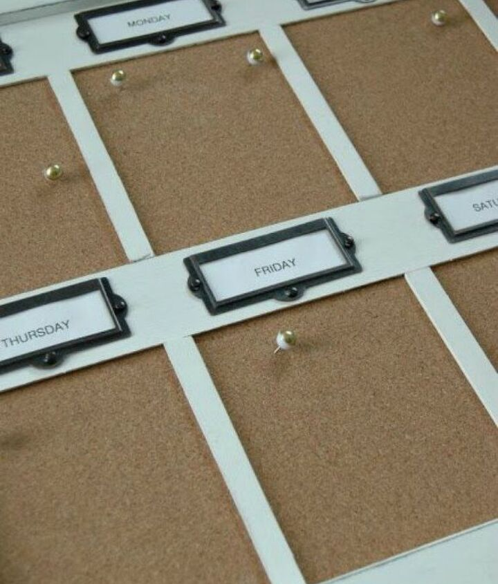 s 13 easy organizing ideas to keep you sane throughout the school year, organizing, Create a weekly organizer with cork board