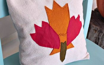 Fall-Themed Maple Leaf Appliquéd Pillow (made From Fabric Scraps!)