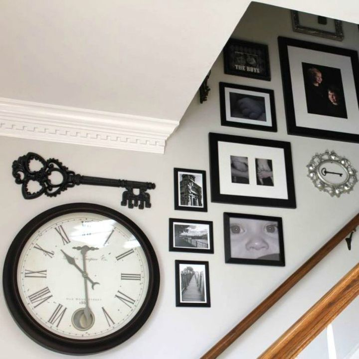 s if your stairway walls are empty here s what you re missing, wall decor, A makeover with vintage keys