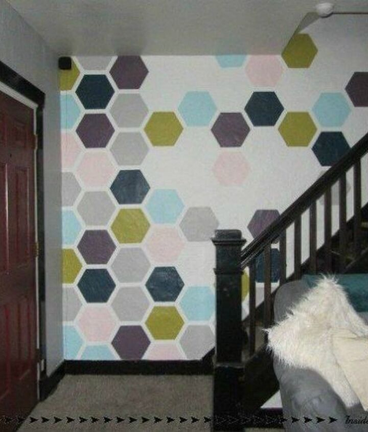 s if your stairway walls are empty here s what you re missing, wall decor, A painted accent wall in different shapes