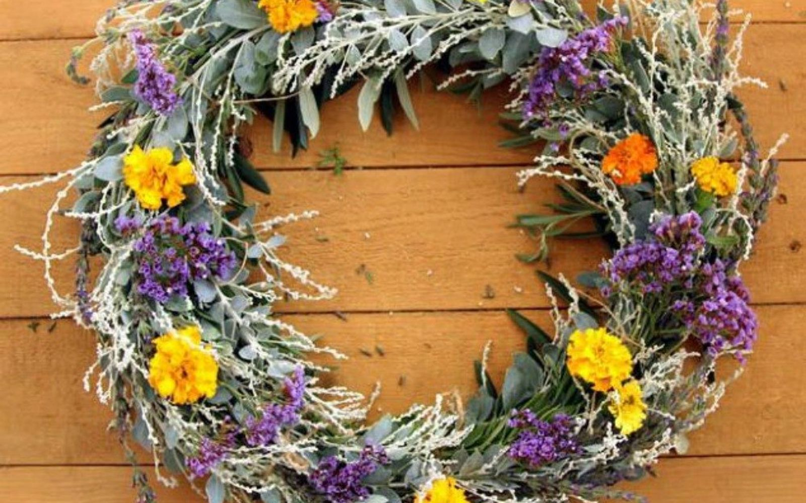 s 17 tricks to make a gorgeous wreath in half the time, crafts, wreaths, Use a dollar store basket to shape the wreath