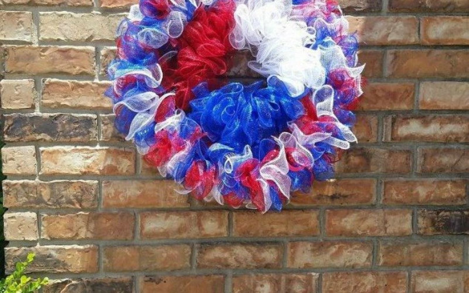 s 17 tricks to make a gorgeous wreath in half the time, crafts, wreaths, Use a dry cleaning hanger for the form