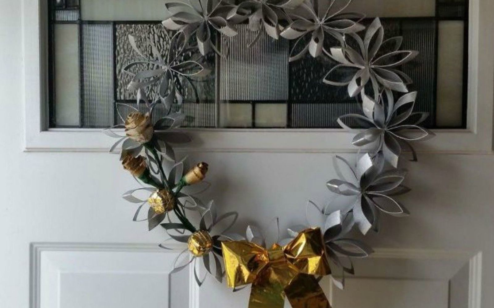 s 17 tricks to make a gorgeous wreath in half the time, crafts, wreaths, Reuse toilet paper rolls for a flower wreath