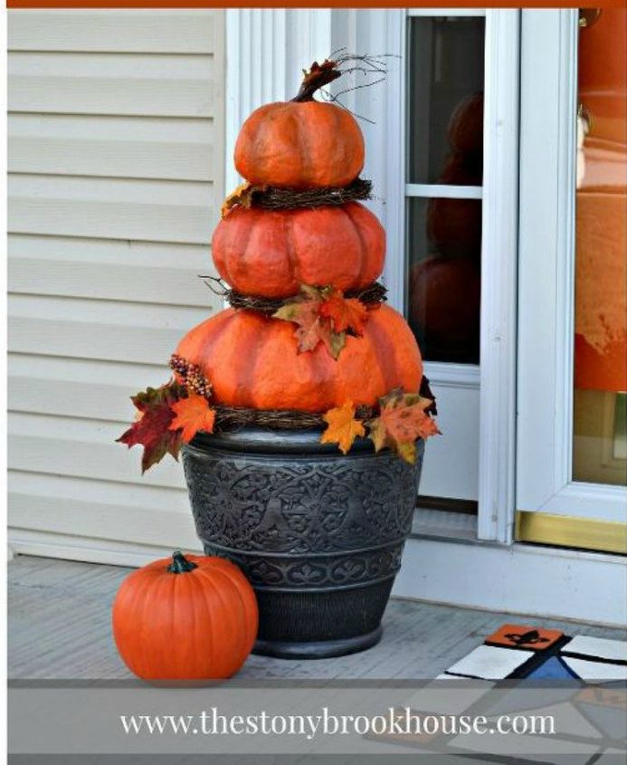 s 14 topiary techniques that are insanely popular this fall, gardening, Using garbage bags as realistic pumpkins