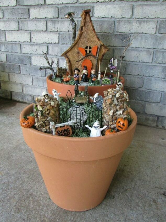 s make your neighbors giggle with these 9 halloween fairy garden ideas, gardening, halloween decorations, seasonal holiday decor, Turn a birdhouse into a Halloween house