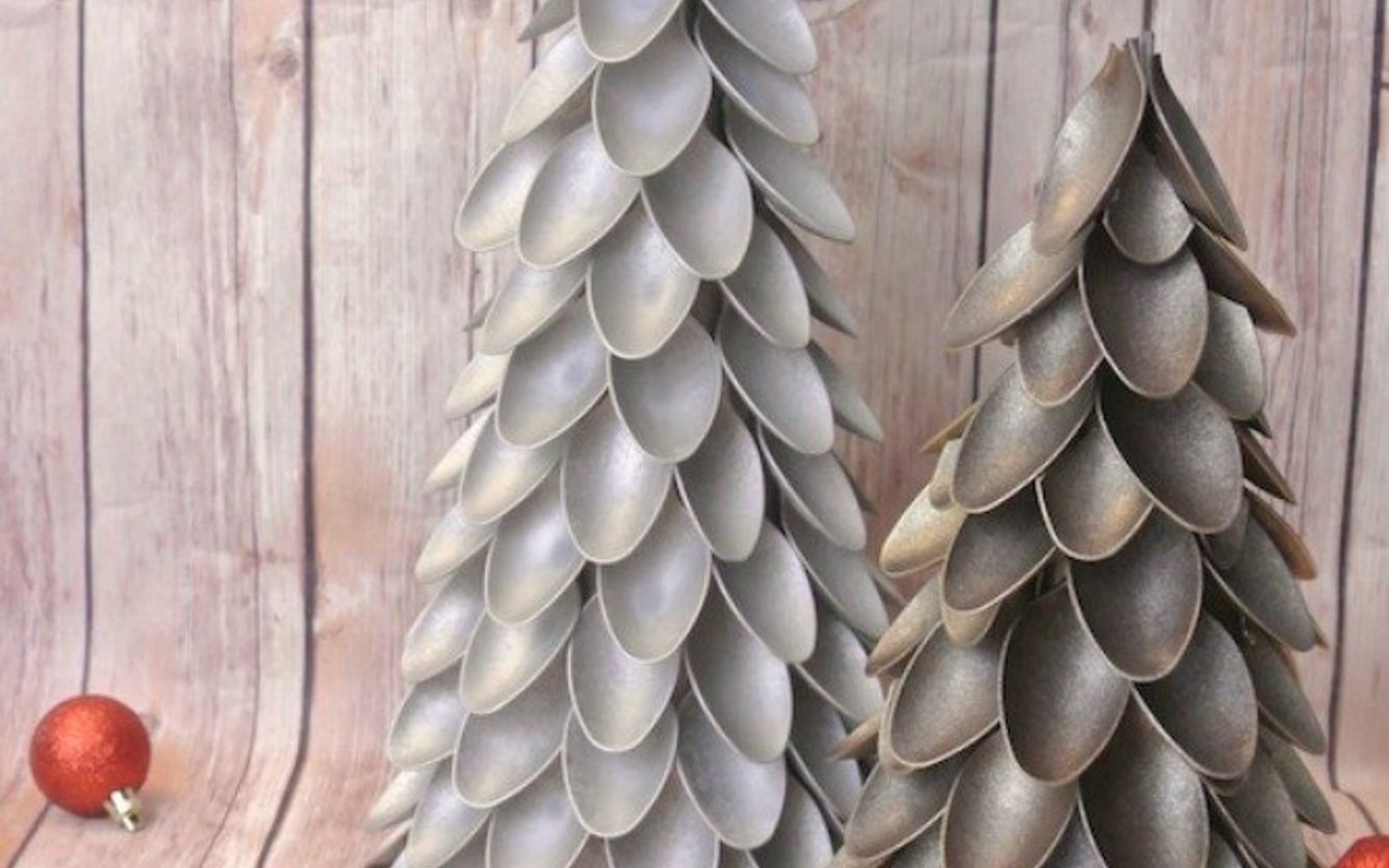 s 11 brilliant ways to reuse plastic spoons, Turn them into Christmas trees