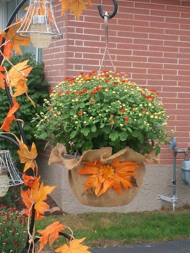 plastic hanging basket makeover anyone can do , crafts