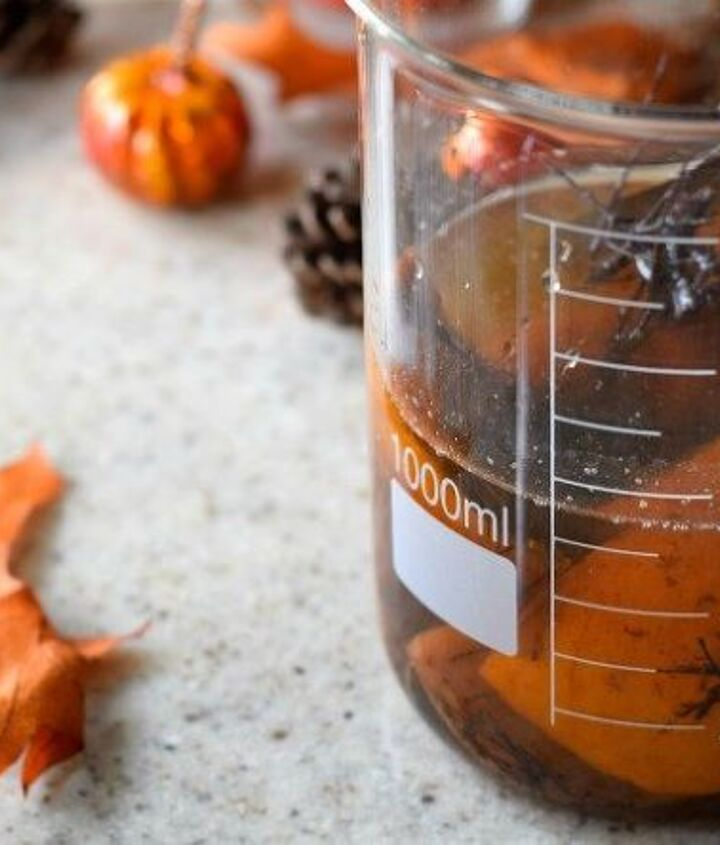 homemade natural autumn room spray no essential oils needed , cleaning tips, crafts, go green, seasonal holiday decor