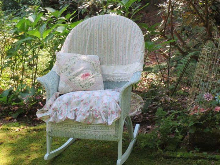 Sitting pretty in the garden!