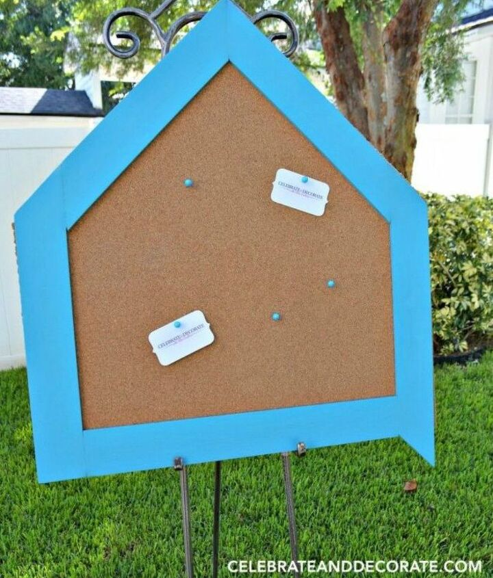 s why everyone is using hometalk blue in their home, home decor, It s a fantastic border for a bulletin board