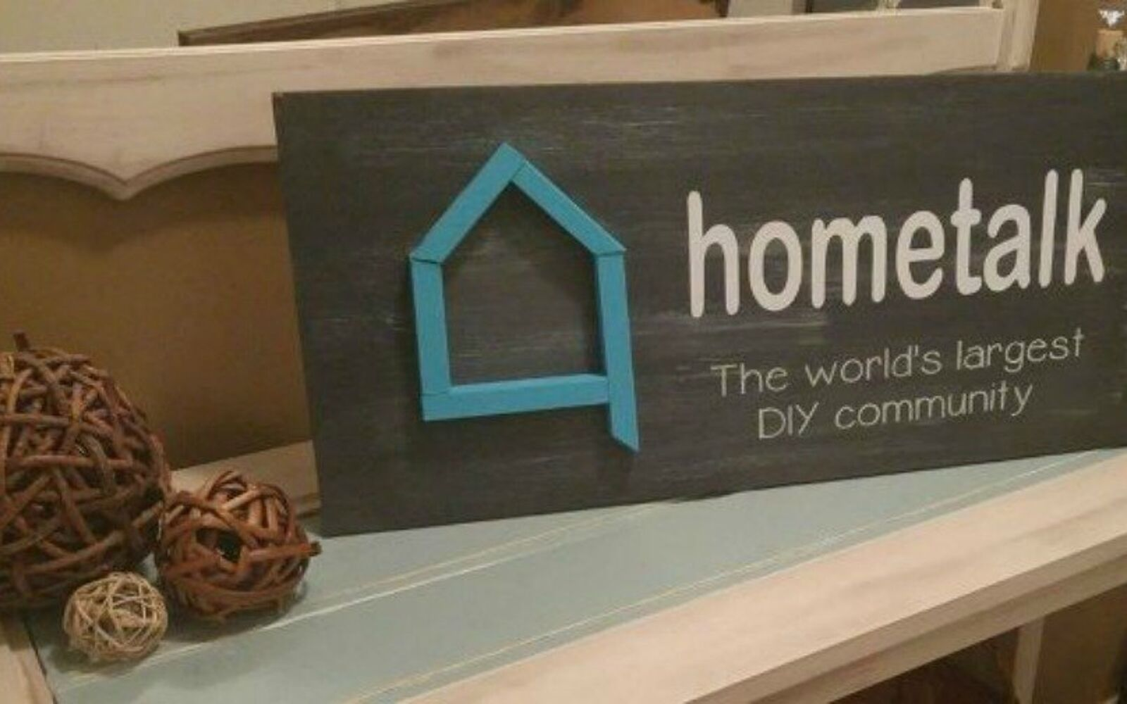 s why everyone is using hometalk blue in their home, home decor, It makes a great 3D sign