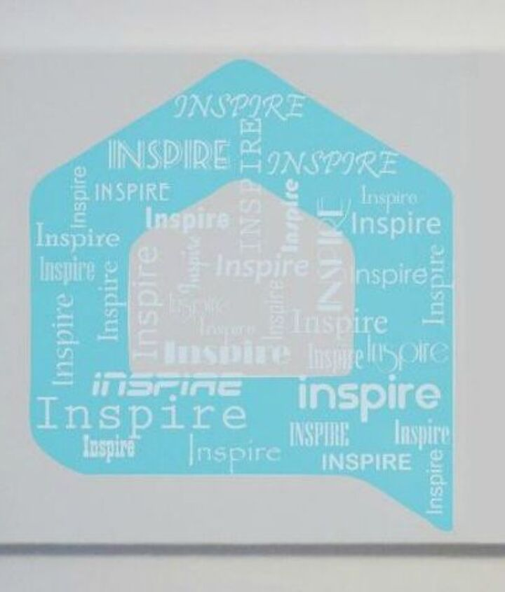 s why everyone is using hometalk blue in their home, home decor, It sits beautifully on a printed canvas